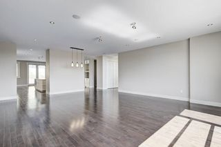 Photo 3: 11 HIGHWOOD Place NW in Calgary: Highwood House for sale : MLS®# C4132411