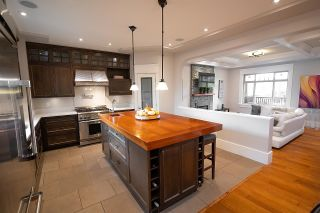 """Photo 10: 936 E 28TH Avenue in Vancouver: Fraser VE House for sale in """"FRASER"""" (Vancouver East)  : MLS®# R2624690"""
