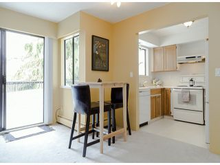 """Photo 5: 204 1544 FIR Street: White Rock Condo for sale in """"JUNIPER ARMS"""" (South Surrey White Rock)  : MLS®# F1412897"""