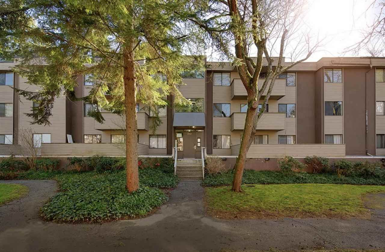 """Main Photo: 32 2433 KELLY Avenue in Port Coquitlam: Central Pt Coquitlam Condo for sale in """"Orchard Valley"""" : MLS®# R2558927"""