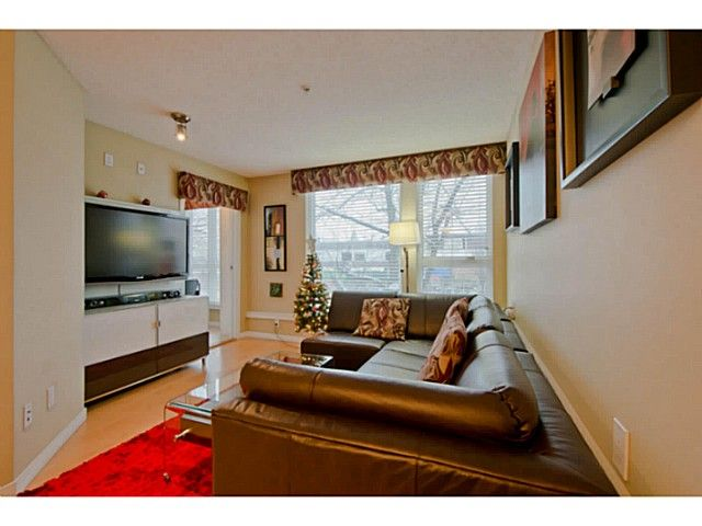 Photo 3: Photos: # 209 2636 E HASTINGS ST in Vancouver: Renfrew VE Condo for sale (Vancouver East)  : MLS®# V1039275