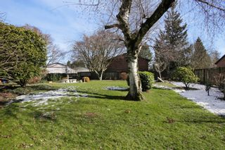 Photo 16: 2360 CRESCENT Way in Abbotsford: Central Abbotsford House for sale : MLS®# R2242278