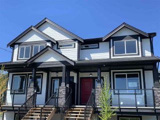 Photo 1: 33367 5TH Avenue in Mission: Mission BC 1/2 Duplex for sale : MLS®# R2429991