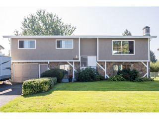 Photo 1: 45154 MOUNTVIEW Way in Chilliwack: Sardis West Vedder Rd House for sale (Sardis)  : MLS®# R2506420