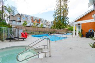"Photo 19: 27 15775 MOUNTAIN VIEW Drive in Surrey: Grandview Surrey Townhouse for sale in ""GRANDVIEW"" (South Surrey White Rock)  : MLS®# R2434072"