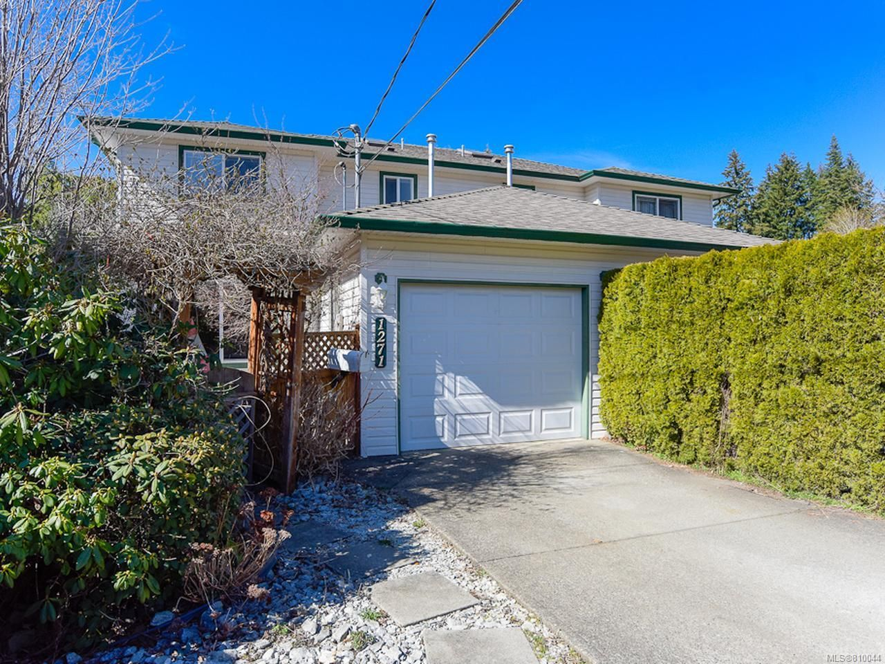 Main Photo: A 1271 MARTIN PLACE in COURTENAY: CV Courtenay City Half Duplex for sale (Comox Valley)  : MLS®# 810044