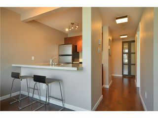 "Photo 3: 2001 438 SEYMOUR Street in Vancouver: Downtown VW Condo for sale in ""CONFERENCE PLAZA"" (Vancouver West)  : MLS®# V916665"