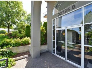 """Photo 3: 118 32725 GEORGE FERGUSON Way in Abbotsford: Abbotsford West Condo for sale in """"Uptown"""" : MLS®# F1417772"""