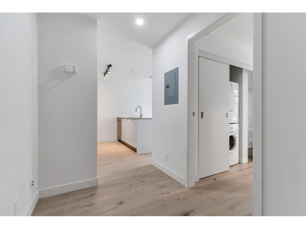 """Photo 2: Photos: 1704 128 W CORDOVA Street in Vancouver: Downtown VW Condo for sale in """"WOODWARDS"""" (Vancouver West)  : MLS®# R2592545"""