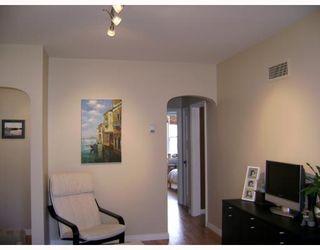 Photo 3: 124 HILL Street in WINNIPEG: St Boniface Single Family Detached for sale (South East Winnipeg)  : MLS®# 2719160