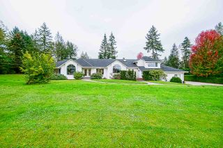 Photo 4: 24114 80 Avenue in Langley: County Line Glen Valley House for sale : MLS®# R2516295