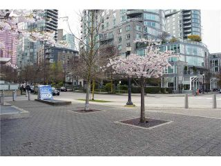 Photo 3: 302 535 Nicola in Vancouver: Coal Harbour Condo for sale (Vancouver West)  : MLS®# V1057107