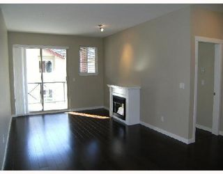 """Photo 2: 204 2336 WHYTE Avenue in Port_Coquitlam: Central Pt Coquitlam Condo for sale in """"THE CENTREPOINTE"""" (Port Coquitlam)  : MLS®# V725122"""