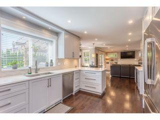 """Photo 7: 16504 N GLENWOOD Crescent in Surrey: Fraser Heights House for sale in """"GLENWOOD ESTATES"""" (North Surrey)  : MLS®# R2370336"""