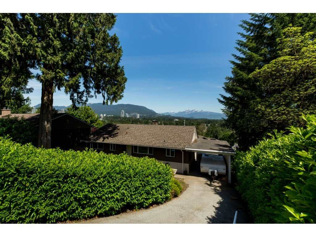 Main Photo: 3095 SPURAWAY Avenue in Coquitlam: Ranch Park House for sale : MLS®# R2174035