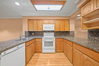 """Photo 8: 110 1232 JOHNSON Street in Coquitlam: Scott Creek Townhouse for sale in """"GREENHILL PLACE"""" : MLS®# R2622210"""