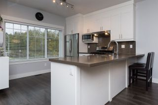 """Photo 5: 9 6971 122 Street in Surrey: West Newton Townhouse for sale in """"AURA"""" : MLS®# R2328893"""