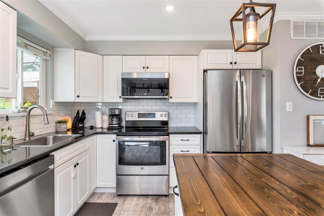 Photo 16: Photos: 32626 BADGER Avenue in Mission: Mission BC House for sale : MLS®# R2493289
