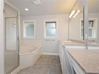 Photo 11: 2981 Lakewood Pl in VICTORIA: La Humpback House for sale (Langford)  : MLS®# 738166