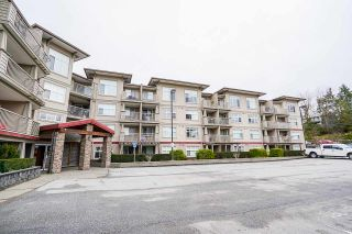 "Photo 3: 109 2515 PARK Drive in Abbotsford: Abbotsford East Condo for sale in ""Viva On Park"" : MLS®# R2540617"