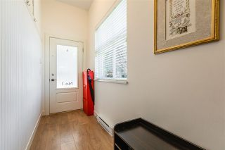 """Photo 3: 1 288 171 Street in Surrey: Pacific Douglas Townhouse for sale in """"The Crossing"""" (South Surrey White Rock)  : MLS®# R2551643"""