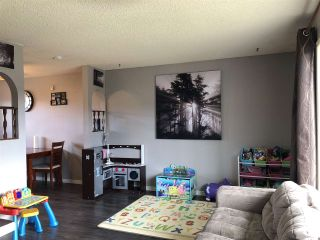 """Photo 3: 208 CLARK Crescent in Prince George: Heritage House for sale in """"Heritage"""" (PG City West (Zone 71))  : MLS®# R2453310"""
