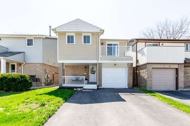 Main Photo: 17 Graham Court in Whitby: Pringle Creek House (2-Storey) for sale : MLS®# E4443995