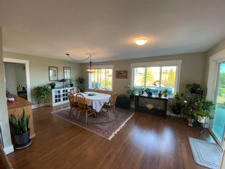 Photo 4: 5628 PETERS Crescent in Sechelt: Sechelt District House for sale (Sunshine Coast)  : MLS®# R2608126