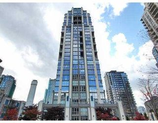 """Photo 1: 408 1238 RICHARDS Street in Vancouver: Downtown VW Condo for sale in """"METROPOLIS - TOWER OF SWEETNESS"""" (Vancouver West)  : MLS®# V878893"""