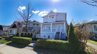 Photo 3: 3112 KINGS Avenue in Vancouver: Collingwood VE Townhouse for sale (Vancouver East)  : MLS®# R2567219
