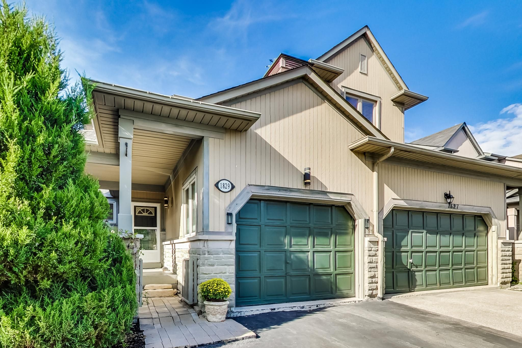 Main Photo: 1829 Stevington Crescent in Mississauga: Meadowvale Village House (2-Storey) for sale : MLS®# W5379274
