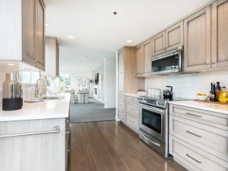 """Photo 15: 407 1551 MARINER Walk in Vancouver: False Creek Condo for sale in """"LAGOONS"""" (Vancouver West)  : MLS®# R2383720"""