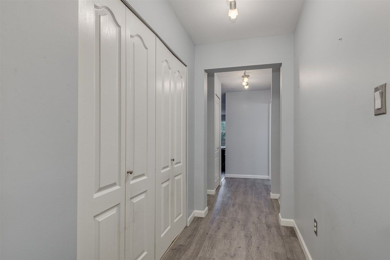 """Photo 13: Photos: 108 3733 NORFOLK Street in Burnaby: Central BN Condo for sale in """"Winchelsea"""" (Burnaby North)  : MLS®# R2400393"""