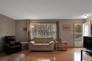 Photo 3: 636 Sneddon Street in Regina: Mount Royal RG Residential for sale : MLS®# SK852647