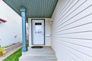 Photo 3: 230 HYNDMAN Crescent in Edmonton: Zone 35 House for sale : MLS®# E4264203