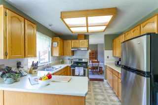 Photo 6: 19620 MAPLE Place in Pitt Meadows: Mid Meadows House for sale : MLS®# R2557959