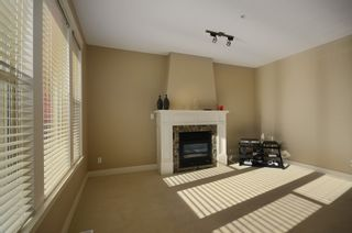 """Photo 6: 229 E QUEENS RD in North Vancouver: Upper Lonsdale Townhouse for sale in """"QUEENS COURT"""" : MLS®# V1045877"""