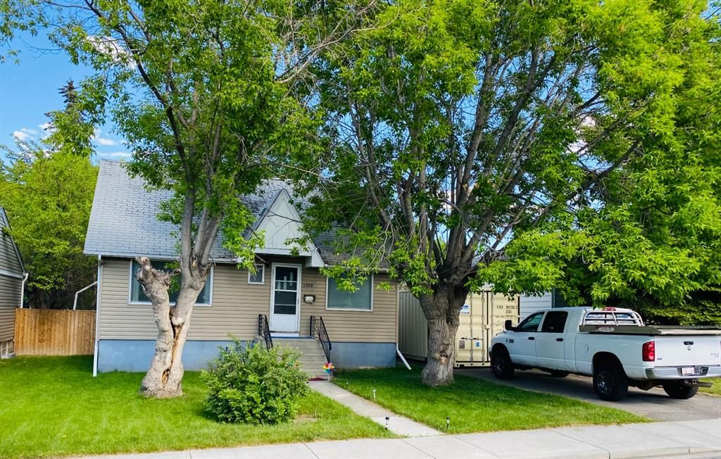 Main Photo: 4020 1 Street NW in Calgary: Highland Park Detached for sale : MLS®# A1119642