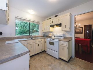"""Photo 9: 408 FERNHURST Place in Coquitlam: Coquitlam East House for sale in """"Dartmoor Heights"""" : MLS®# R2319741"""