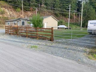 Photo 2: 41480 NO. 5 ROAD in ABBOTSFORD: House for sale : MLS®# R2616648