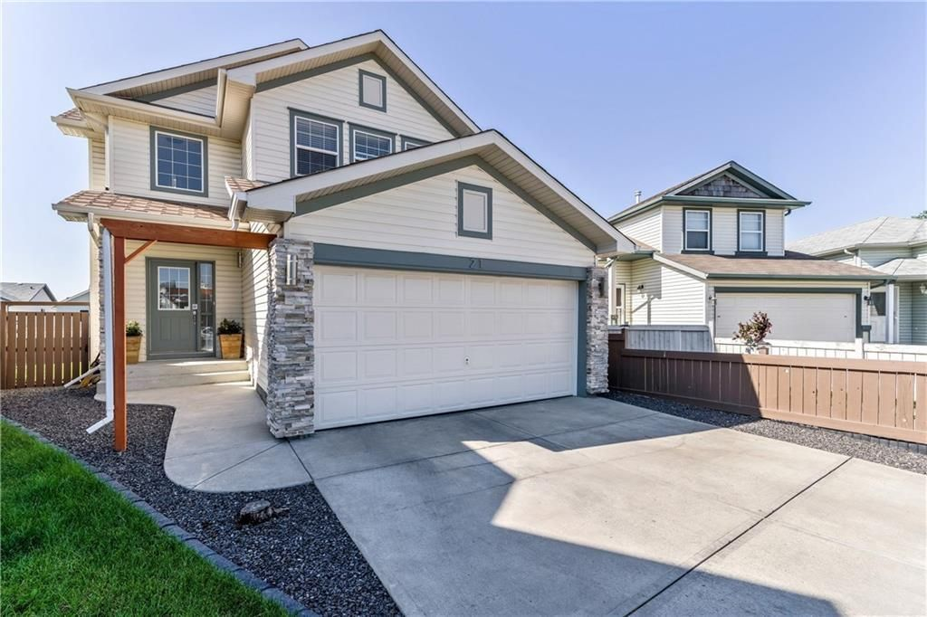 Main Photo: 21 COVENTRY Garden NE in Calgary: Coventry Hills Detached for sale : MLS®# C4196542