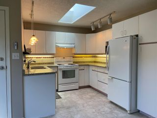 Photo 9: 2302 Amherst Ave in : Si Sidney North-East Half Duplex for sale (Sidney)  : MLS®# 878495