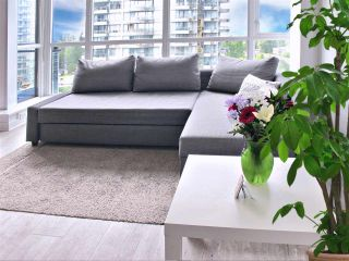 """Photo 5: 1110 10777 UNIVERSITY Drive in Surrey: Whalley Condo for sale in """"City Point"""" (North Surrey)  : MLS®# R2456310"""