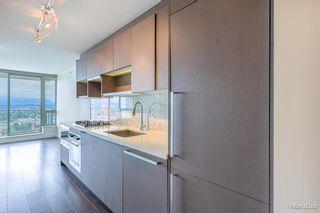 """Photo 3: 3811 13750 100 Avenue in Surrey: Whalley Condo for sale in """"Park Avenue"""" (North Surrey)  : MLS®# R2600657"""