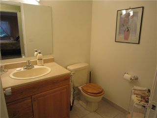"""Photo 7: 204 327 W 2ND Street in North Vancouver: Lower Lonsdale Condo for sale in """"Somerset Manor"""" : MLS®# V847989"""