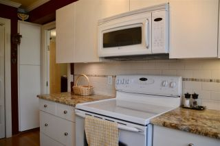 """Photo 7: 302 1685 W 14TH Avenue in Vancouver: Fairview VW Condo for sale in """"TOWN VILLA"""" (Vancouver West)  : MLS®# R2359239"""