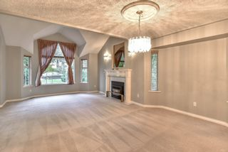 "Photo 3: 18608 54 Avenue in Surrey: Cloverdale BC House for sale in ""Hunter Park"" (Cloverdale)  : MLS®# R2328528"