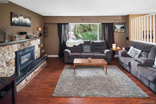 Photo 3: 2826 Santana Dr in VICTORIA: La Goldstream House for sale (Langford)  : MLS®# 808631