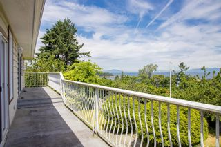Photo 3: 3738 Overlook Dr in Nanaimo: Na Hammond Bay House for sale : MLS®# 881944