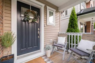 """Photo 2: 6736 193B Street in Surrey: Clayton House for sale in """"Gramercy Park"""" (Cloverdale)  : MLS®# R2505748"""